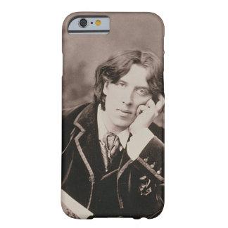 Retrato de Oscar Wilde (1854-1900), 1882 (pho de Capa Barely There Para iPhone 6