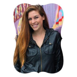 Retrato de uma jovem mulher convites personalizados