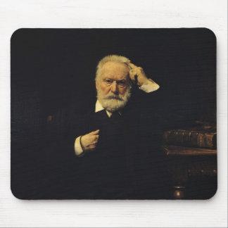 Retrato de Victor Hugo 1879 Mouse Pads