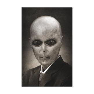 Retrato estrangeiro assustador impressão de canvas envolvidas