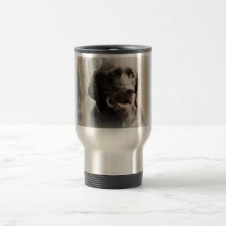 Retrato preto bonito de labrador retriever caneca térmica