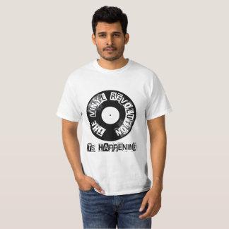 """Revolução do vinil """"é registro de acontecimento """" camiseta"""