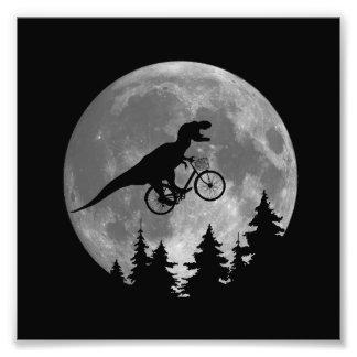 Rex do motociclista t no céu com paródia da lua impressão de foto