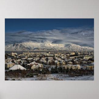 Reykjavik em Winterdress Poster