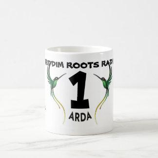 Riddim enraíza a caneca de Arda do rádio 1