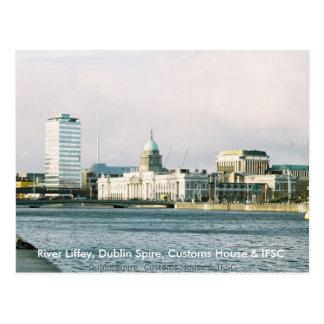 Rio Liffey de Dublin, pináculo & casa de alfândega Cartão Postal