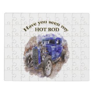 Roadster idoso do vintage azul com o motor para