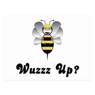 Robobee Bumble a abelha Wuzz acima do cartão