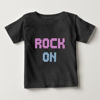 Rocha da luz de néon no tshirt do bebê da música camiseta para bebê