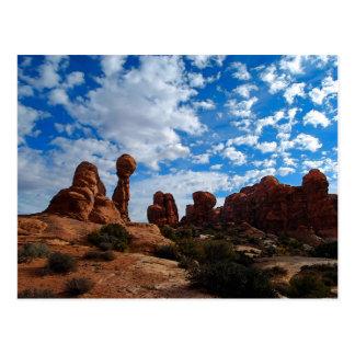 Rocha equilibrada, arcos parque nacional, Utá Cartão Postal