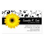 Rolo preto & branco da margarida amarela do cartão de visita
