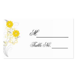 Romance de brotamento no cartão amarelo do lugar cartão de visita