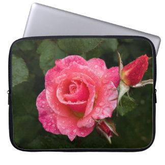 Rosa do rosa com a bolsa de laptop dos pingos de sleeve para laptop