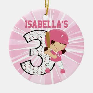Rosa e branco da massa do softball do aniversário ornamento de cerâmica redondo