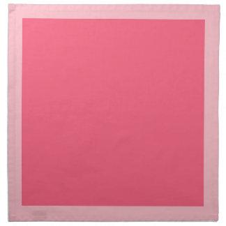 Rosa e guardanapo cor-de-rosa brilhantes