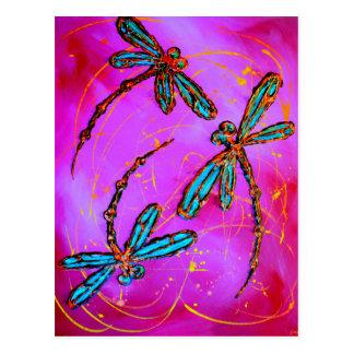 Rosa elétrico do Flit da libélula Cartão Postal