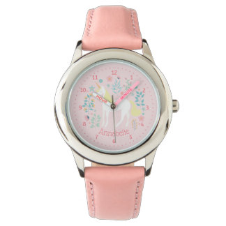 Rosa lunático bonito do relógio do unicórnio