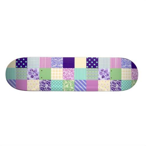 Rosa Pastel e quadrados femininos roxos do teste p Skates