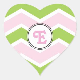 Rosa personalizado Chevron do verde do monograma Adesivos Em Forma De Corações