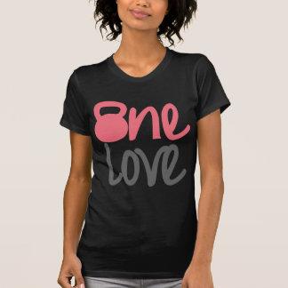 """Rosa """"um amor """" t-shirt"""