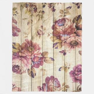 Rosas cor-de-rosa do vintage na cobertura de cobertor de lã