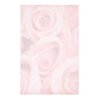Rosas cor-de-rosa que Wedding artigos de papelaria