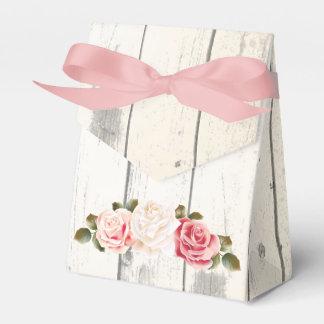 Rosas do chique & madeira rústica do celeiro da caixinha de lembrancinhas