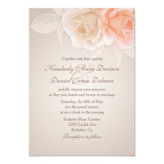 Rosas do pêssego e do creme que Wedding o convite