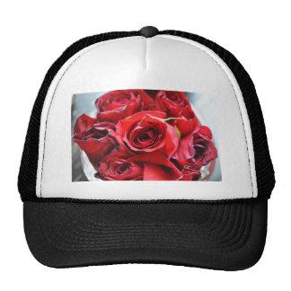 Rosas em uma bacia boné