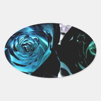 Rosas em uma luz diferente adesivos em formato ovais