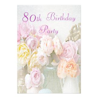 Rosas românticos na festa de aniversário do 80 dos convites