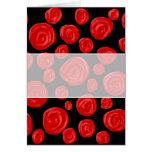 Rosas vermelhas românticas no fundo preto cartão