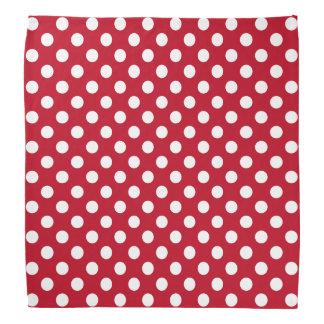 Rosie as bolinhas brancas do rebitador no vermelho bandana