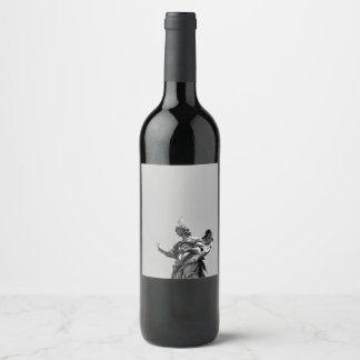 Rótulo De Garrafa De Cerveja Foto simples, moderna da gaivota sobre a estátua