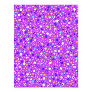 roxo do fundo do em dos pequenas de flores do convite 10.79 x 13.97cm