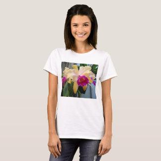 Roxo e camisa da orquídea T do pêssego