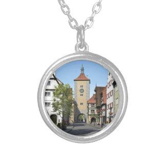 Rua principal da cidade de Baviera Colar Banhado A Prata
