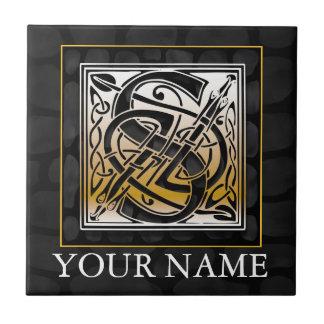 """S """"seu"""" azulejo de pedra preto celta conhecido do"""