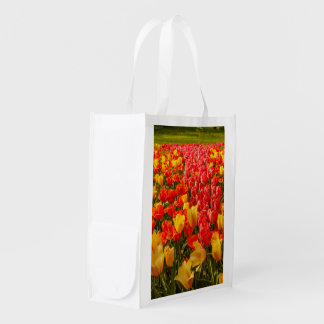 Sacola Ecológica a florescência das tulipas no saco reusável
