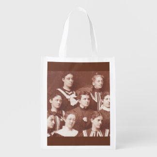 Sacola Ecológica cerca do coro de 1905 mulheres