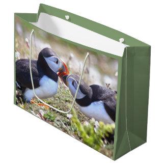 Sacola Para Presentes Grande Beijando o saco do presente dos papagaio-do-mar