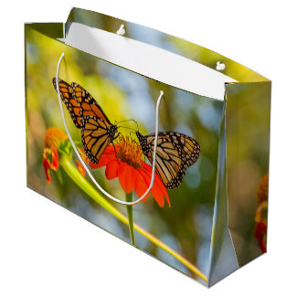 Sacola Para Presentes Grande Borboletas de monarca em Wildflowers