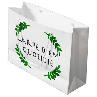 Sacola Para Presentes Grande Carpe Diem Quotidie - apreenda o dia, cada dia