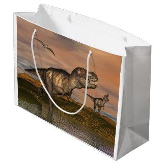 Sacola Para Presentes Grande Dois dinossauros do rex do tiranossauro que andam