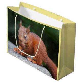 Sacola Para Presentes Grande Esquilo do bebê com o saco do presente da porca