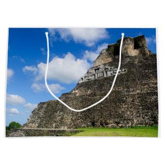 Sacola Para Presentes Grande Ruína maia de Xunantunich em Belize