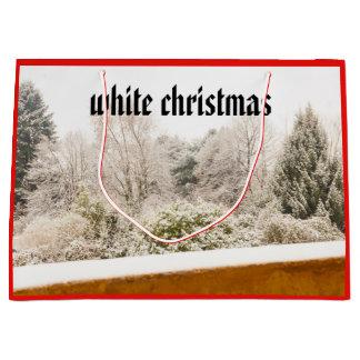 Sacola Para Presentes Grande uma paisagem branca do inverno em fios no saco do