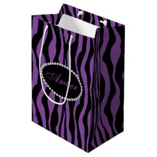 Sacola Para Presentes Média Diamantes roxos do impressão da zebra & monograma