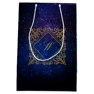 Sacola Para Presentes Média Monograma ornamentado do diamante na galáxia azul