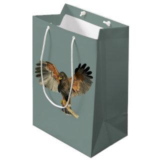Sacola Para Presentes Média O Flapping do falcão voa a pintura da aguarela